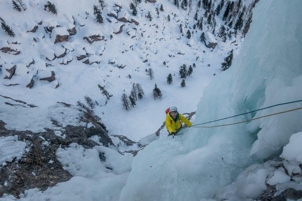 dolomiti-ice-climbing-guide-alpine-escape