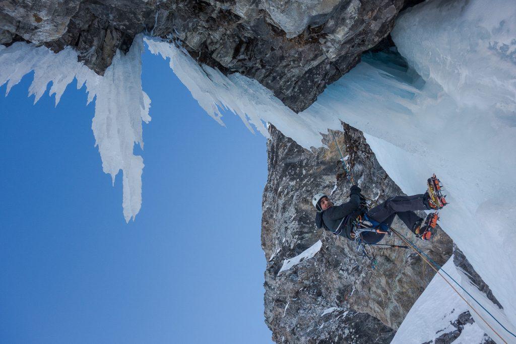 val-daosta-ice-climbing-guide-alpine