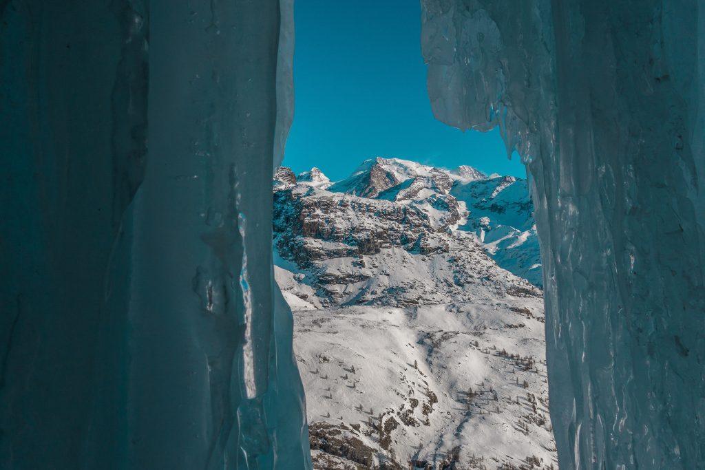 val-dayas-cortoz-ice-climbing-guide-alpine
